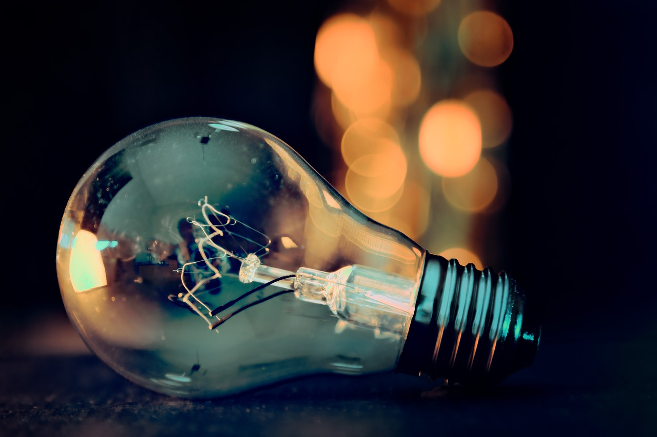 Creative Solutions_Lightbulb
